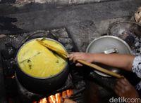 RM Sabar Menanti : Ini Kelezatan Nasi Kuning Gorontalo yang Teruji 65 Tahun