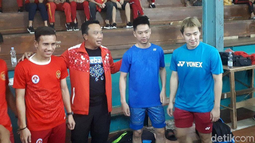 Motivasi Atlet Muda di SKO Ragunan, Menpora Ajak Kevin/Marcus