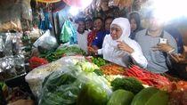 Kunjungi Pasar Wonokromo, Khofifah Bicara Harga Cabai dan Bawang