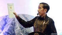 Bagikan Sertifikat Tanah di Malang, Jokowi: Tak Ada Pengibulan