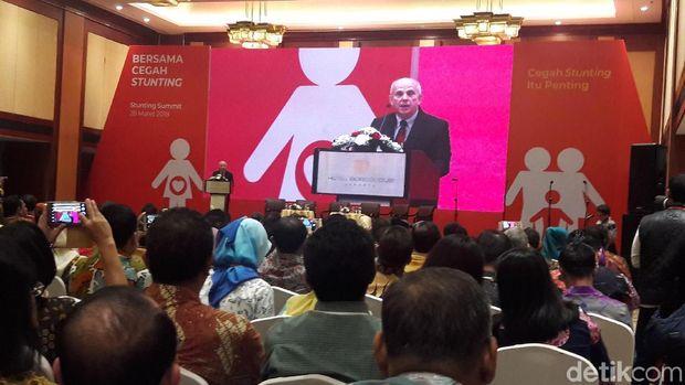 Duta Besar Amerika Serikat untuk Indonesia Joseph R Donovan Jr hadir di acara yang membahas masalah anak kekurangangizi itu.