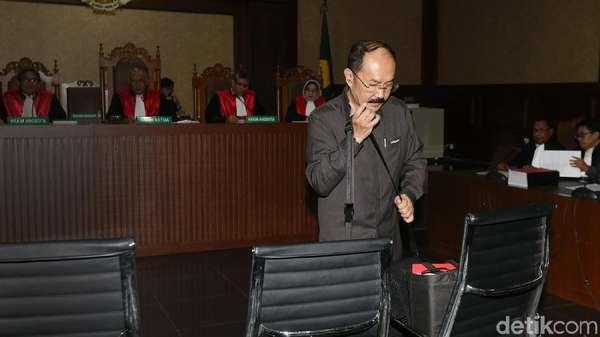 Fredrich Ditegur Hakim Lagi Gara-gara Panggil Saksi Situ