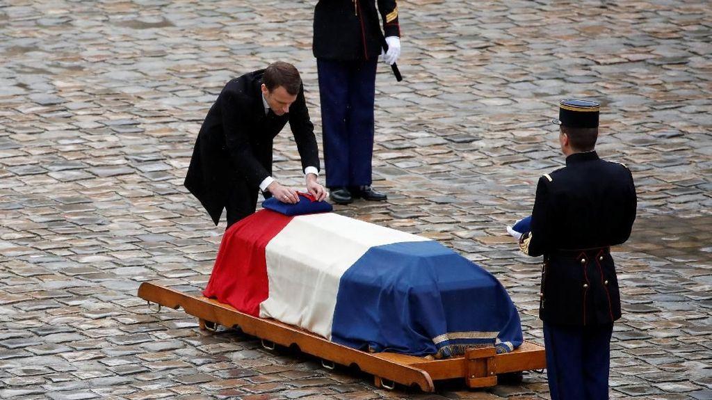 Foto: Pelepasan Jenazah Polisi yang Jadi Pahlawan di Teror Prancis