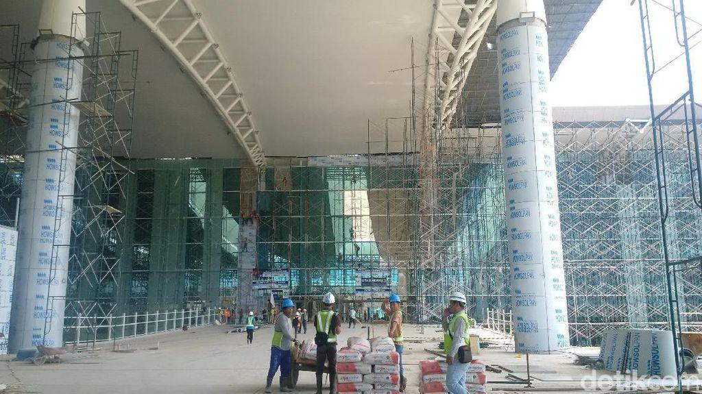 Aher Lapor ke Luhut Pembayaran Kontraktor Bandara Kertajati Molor