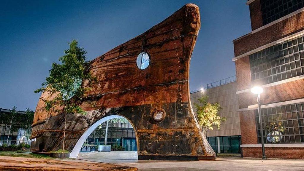 Bangunan Keren Ini Dulunya Bangkai Kapal Tua Lho