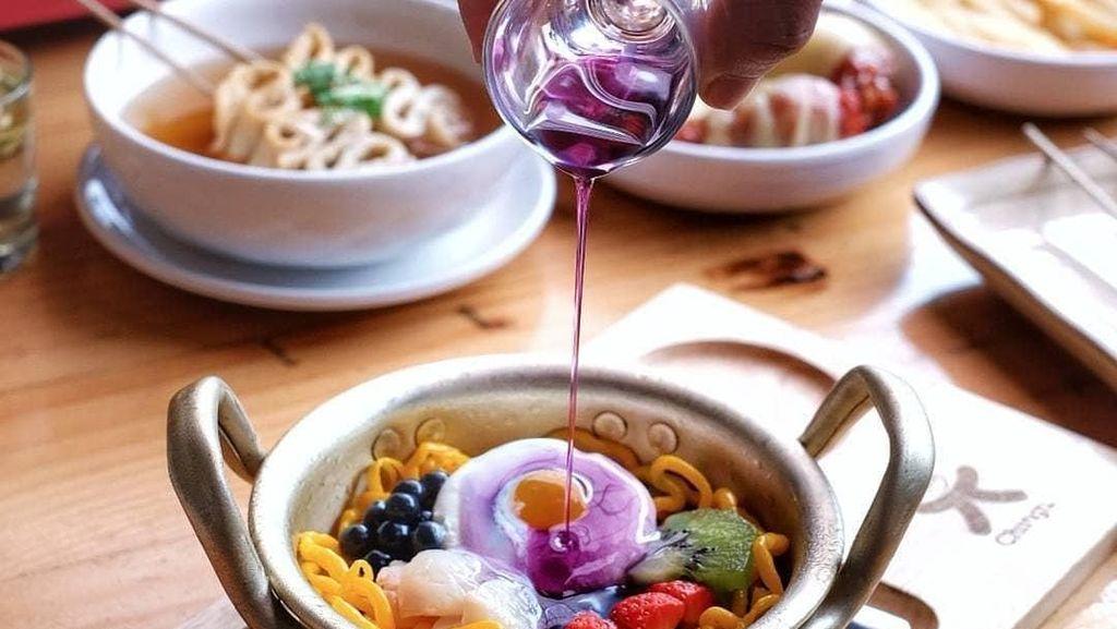 Lagi di Bandung? Coba Nih Dessert Ramyeon hingga Gelato yang Segar di Sini!