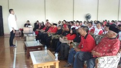 Long Weekend, Tb Hasanuddin Bertemu Perajin Tahu di Tasikmalaya