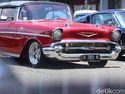 Nostalgia! A   neka Mobil Klasik Nongkrong Bareng di Karawaci