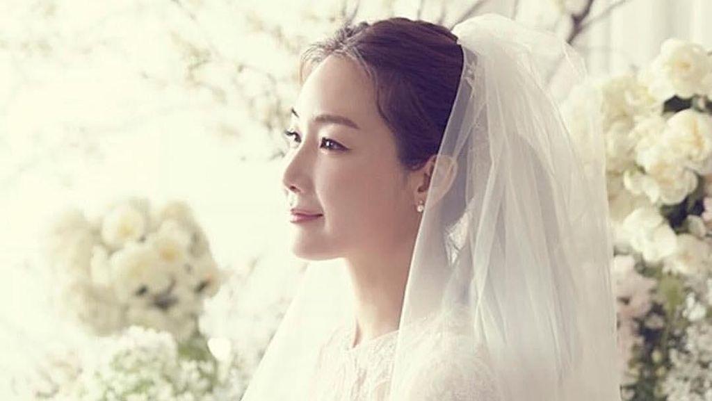 Terpesona Kecantikan Choi Ji Woo, Artis Korea yang Menikah di Usia 42