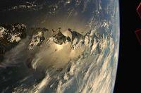 Astronot NASA Richard Ricky Arnold saat memotret keindahan Indonesia di pagi hari di luar angkasa.