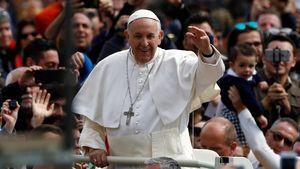 Foto: Paus Fransiskus Pimpin Misa Paskah di Vatikan