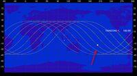 Lintasan Tiangong-1 pada 2 April 2018 pukul 07:15 WIB +/- 6 jam Tanda panah menunjukkan perkiraan lokasi benda saat ketinggiannya 10 km dari permukaan Bumi.