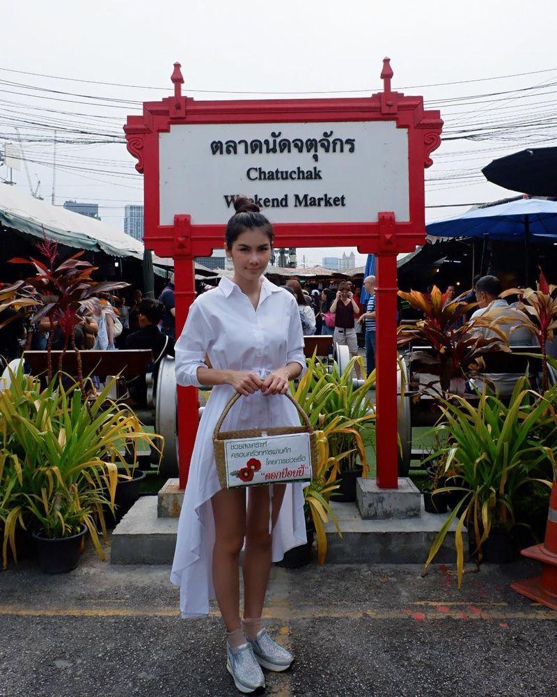 Nama mantan bintang film porno Thailand, Nong Nat ramai diperbincangkan netizen karena kabar perceraiannya yang heboh. Di Instagram, wanita 32 tahun ini kerap membagikan fotonya saat liburan. (Instagram/natkejsarin)