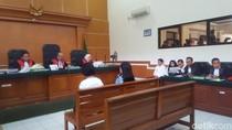 Selain Umrah VVIP First Travel, Syahrini Mengaku ke Turki