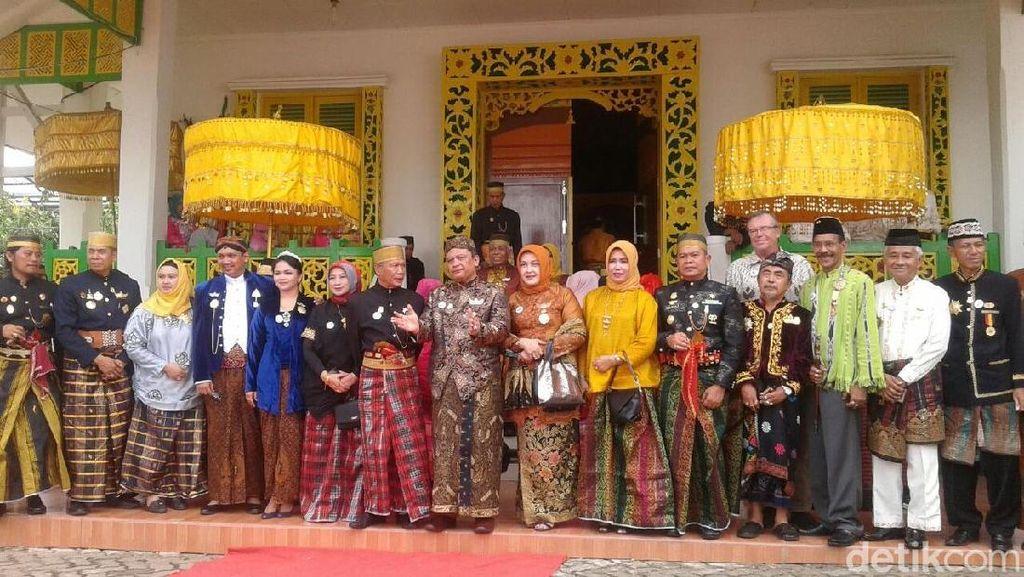 Raja-raja Nusantara Hadiri Ritual Cuci Benda Pusaka di Bone