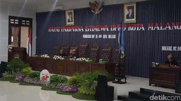 Mangkir Panggilan KPK, Ketua DPRD Kota Malang Pimpin Paripurna