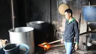 Foto: Warga Garut Olah Limbah Tempe Jadi Biogas dan Pupuk