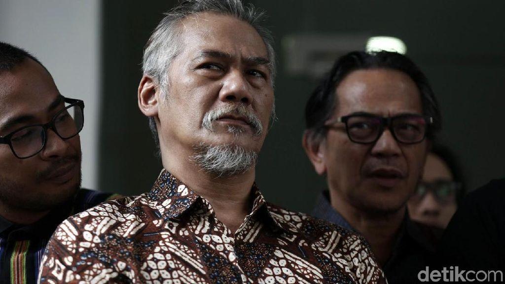 Tidak Hadiri Sidang Perdana, Tio Pakusadewo Sakit