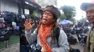 Seniman Surabaya Ini Protes Sukmawati dengan Puisi Buatannya