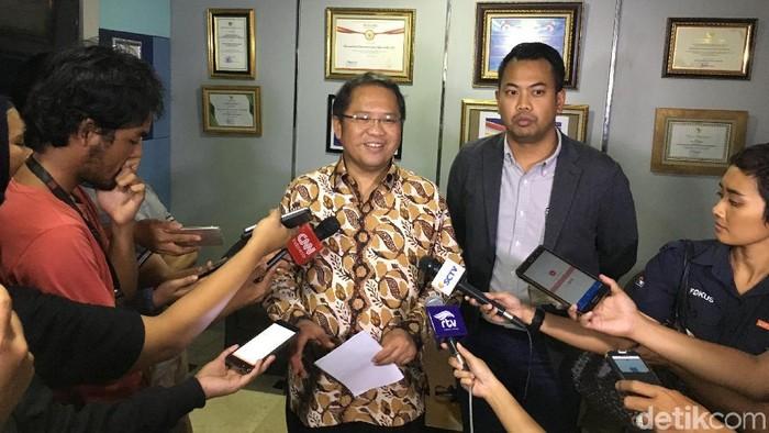 Menkominfo Rudiantara dan perwakilan Facebook Indonesia. (Agus Tri Haryanto/detikINET)
