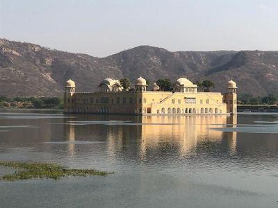 Foto: Istana di Tengah Danau