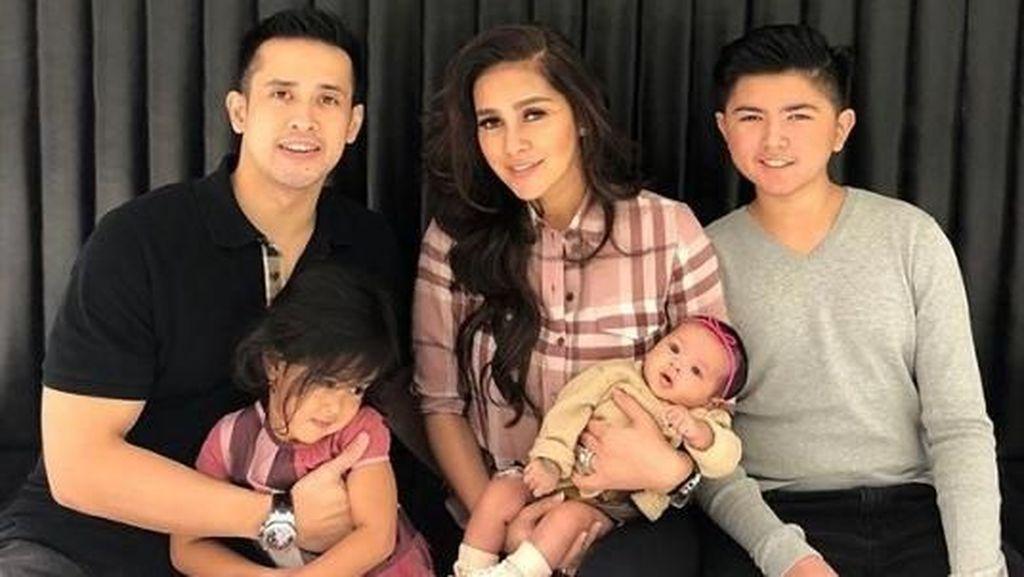 Olla Ramlan Berharap Anak Pertamanya Belum Pacaran