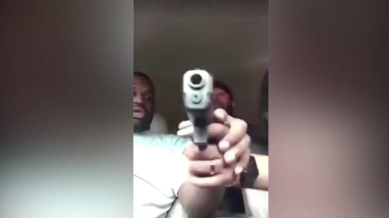 Duh! Pria Texas Ini Tertembak di Kepala Saat Live Facebook