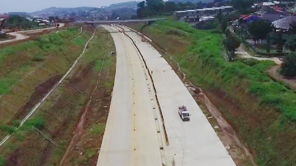 Masih Gratis, Tol Batang-Semarang Dipakai Satu Jalur Saat Mudik
