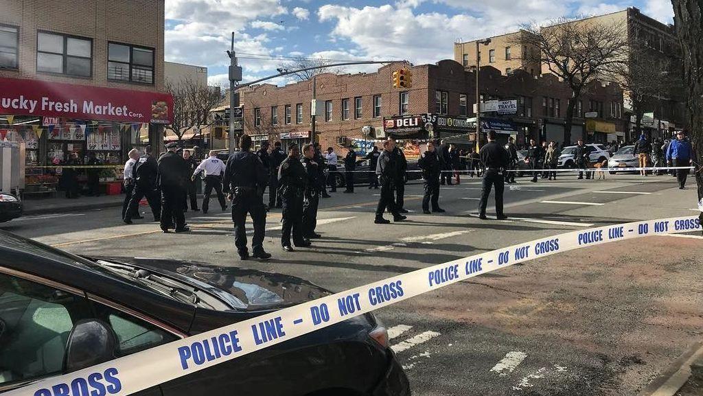Polisi New York Tembak Mati Pria yang Todongkan Pipa Logam