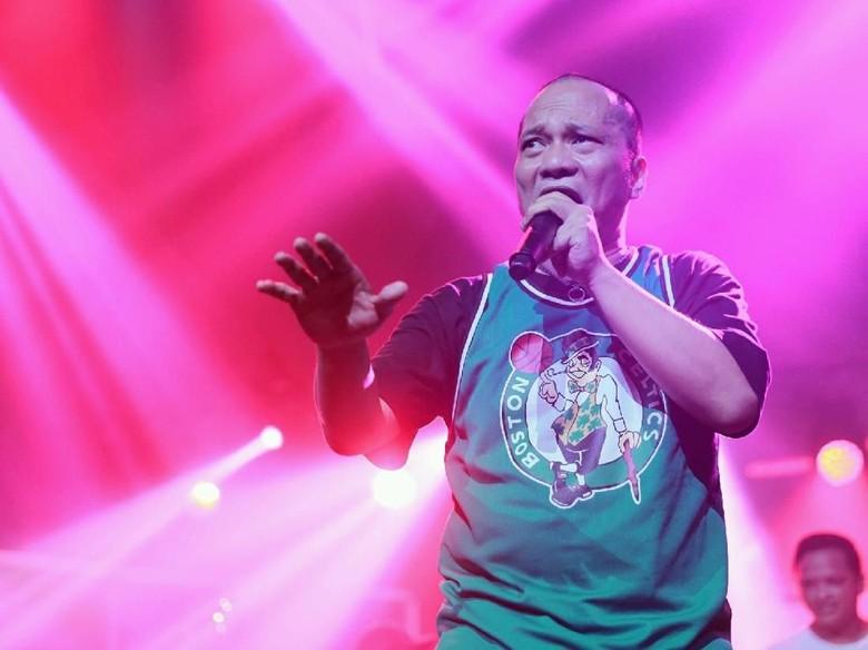Iwa K Bebas Lepas di Album Live Perdana