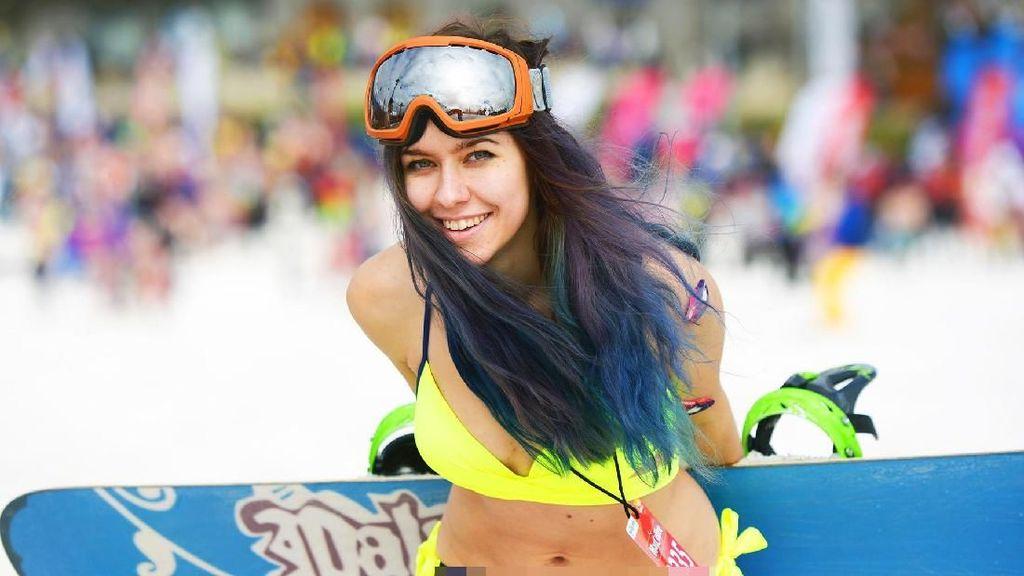 Festival Paling Gila di Dunia: Main Ski Pakai Bikini