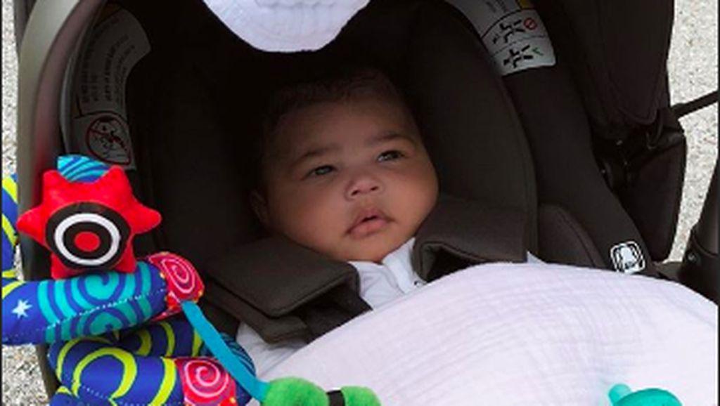Travis Scott dan Kylie Jenner Buat Pesta Hampir Rp 100 Juta Untuk Bayi Stormi