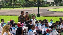 Foto: Saat Anak-anak Pengidap Kanker Main Sulap Bareng Jokowi