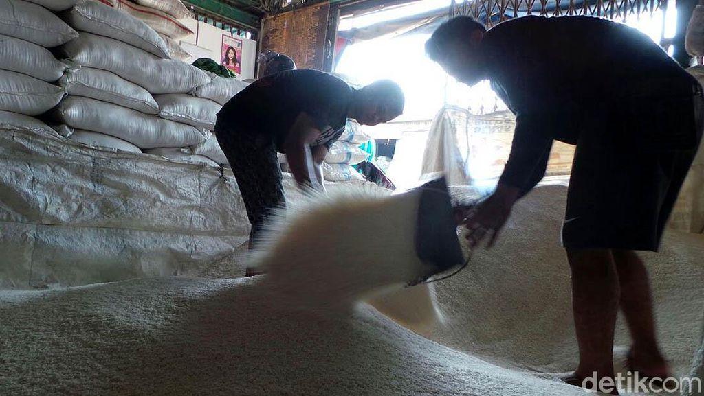 Harga Beras Medium di Pasar Gondangdia Masih Rp 14.000