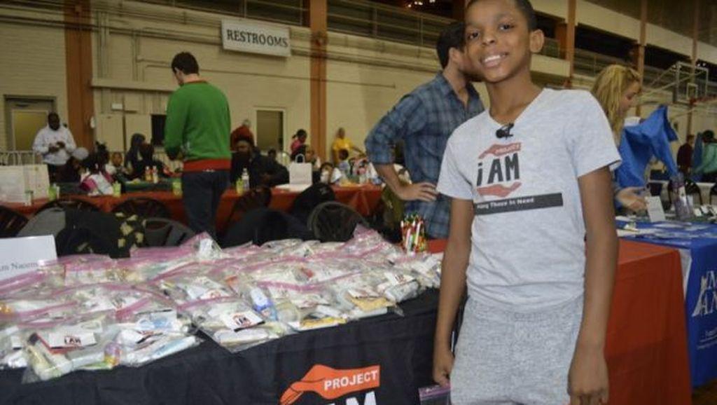 Keren! Kisah Bocah 10 Tahun Membantu Tunawisma di Sekitarnya