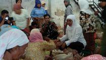 Khofifah Kunjungi 2 Pasar di Probolinggo, Buruh dan Pedagang Curhat