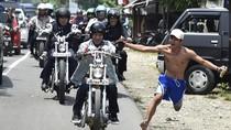 Potret Jokowi Kepincut Chopper Emas hingga Pimpin Touring