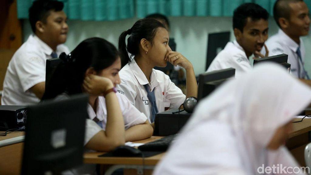 Keluh Kesah Netizen Peserta UN yang Mengundang Tawa