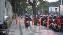 Pak Polisi, Banyak R2 Naik ke Trotoar Nih!