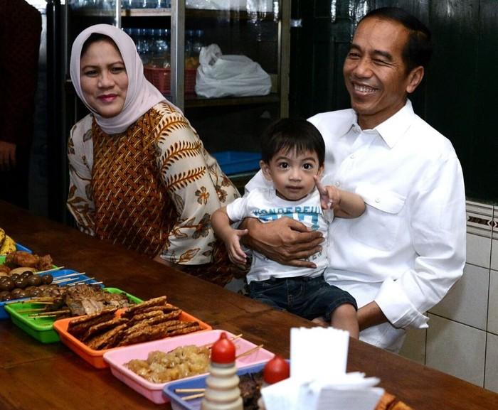 Iriana Joko Widodo, atau yang akrab disapa Ibu Iriana. Merupakan istri dari Presiden Jokowi, sekaligus menjabat sebagai Ibu Negara Indonesia sejak tahun 2014. Foto: Instagram @jokowi