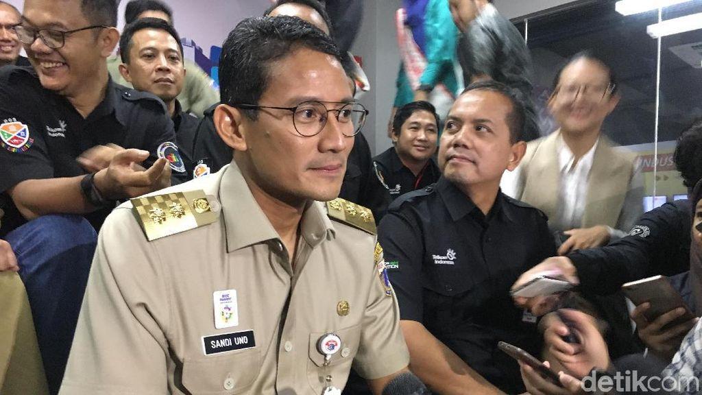 Canda Jokowi ke Sandiaga yang Lebih Sering Lihat Billboard Cak Imin