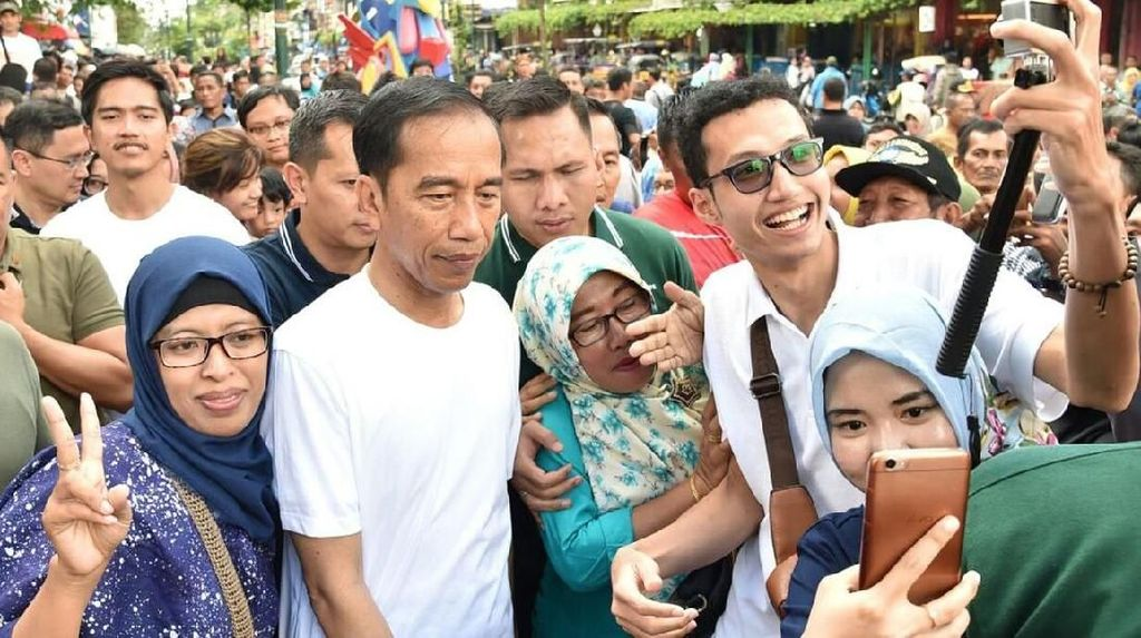 Kebijakan Jokowi Sekarang Makin Populis?