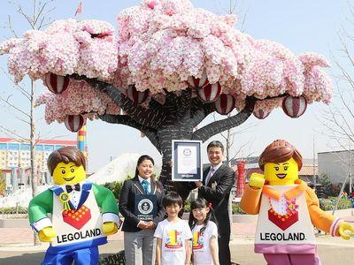 Cuma di Jepang, Ada Pohon Sakura dari Lego