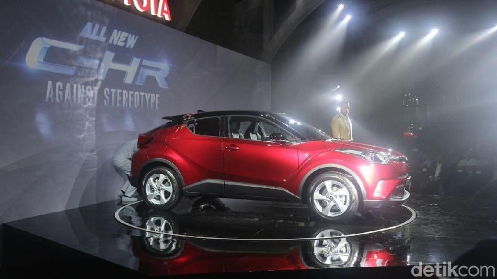 Biar Mahal, Inden Toyota C-HR Sampai 2 Bulan!