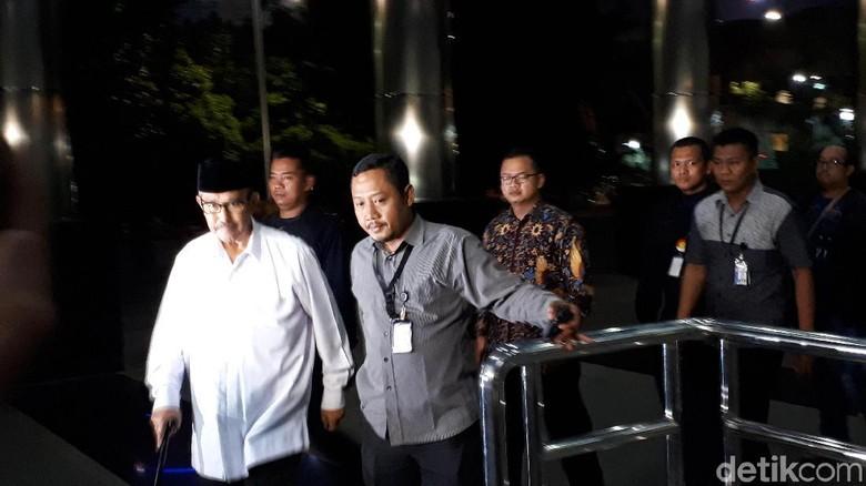Sejak Kemarin Malam, Bupati Bandung Barat Masih Diperiksa KPK