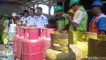 Ingin Untung Besar, 3 Orang Oplos Tabung Gas 12 Kg di Makassar