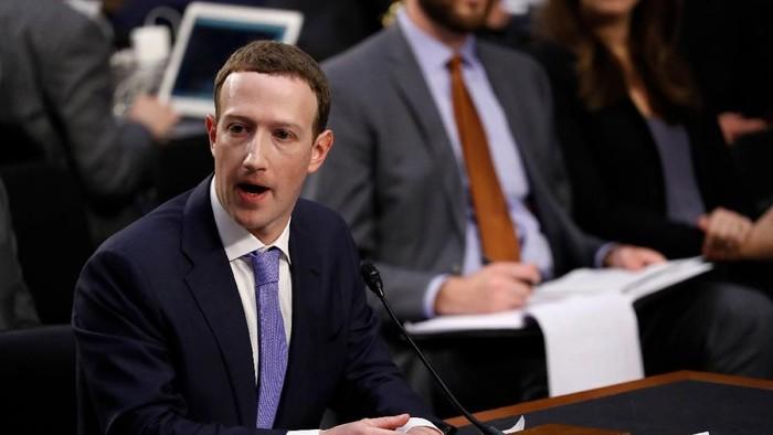 CEO Facebook Mark Zuckerberg saat disidang oleh parlemen AS. Foto: Reuters
