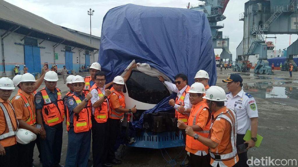6 Gerbong LRT Tiba Lebih Awal di Palembang
