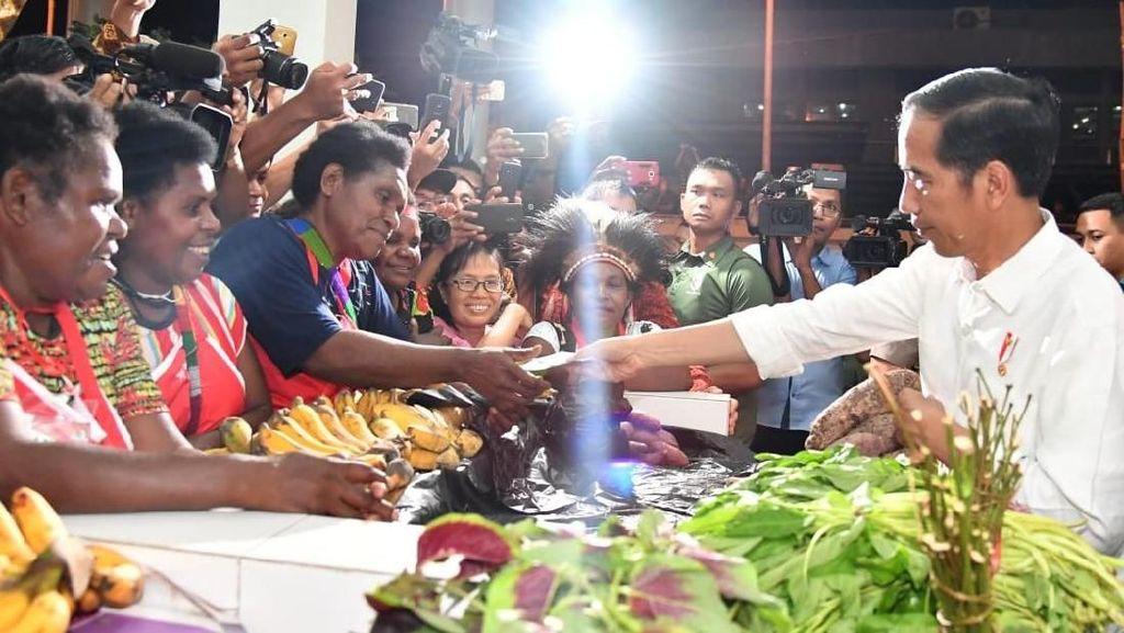 Jelang 2019, Kebijakan Jokowi Kini Makin Populis