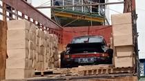 Selain 18 Moge, Ada Porsche Juga di Kapal yang Ditangkap TNI AL